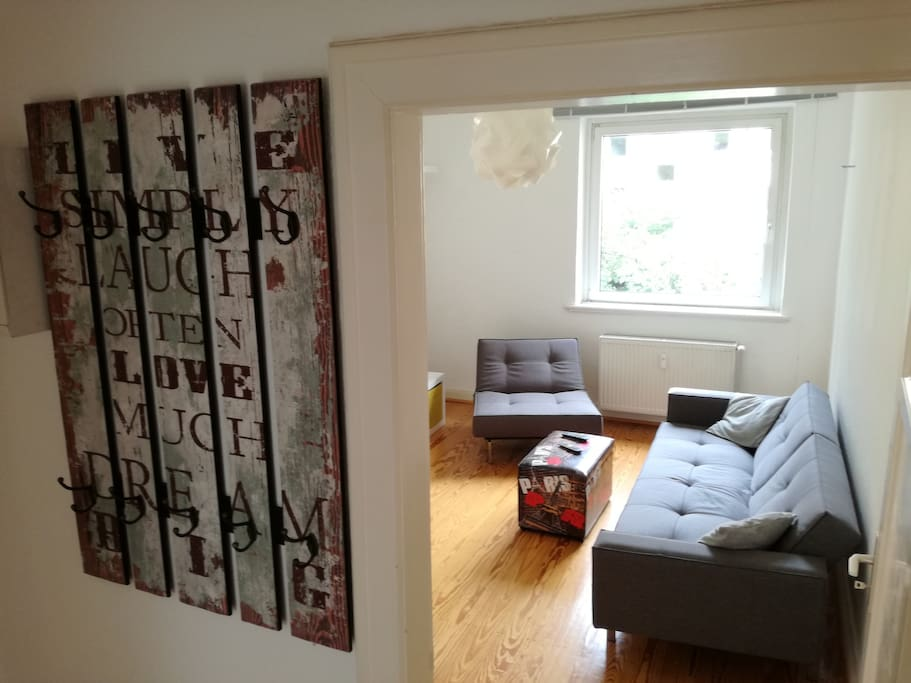 Living room (pic1)