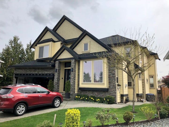 NEWLY AVAILABLE: Luxury home w/high-end amenities.