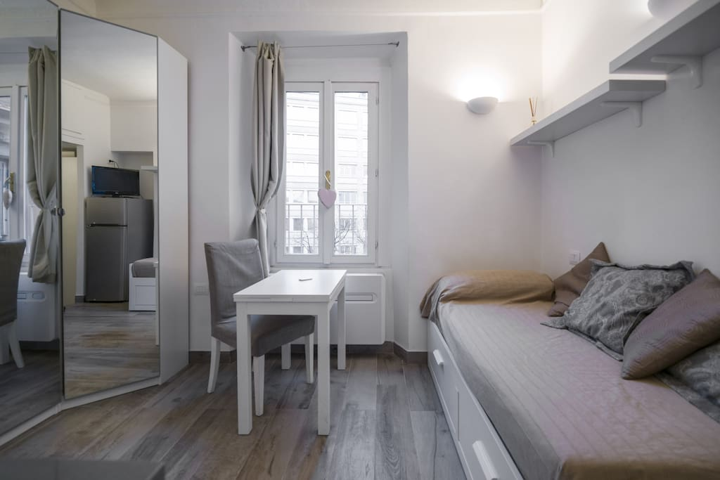 Studio Near Porta Venezia Metro Stop In Milan Flats For