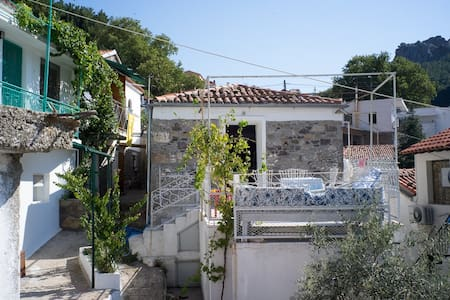 Feggari mansion - Samothraki