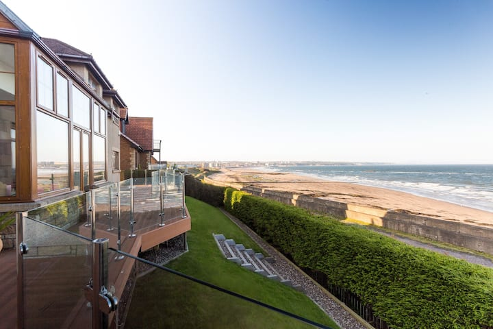 Luxury Seaside Home with Incredible Views