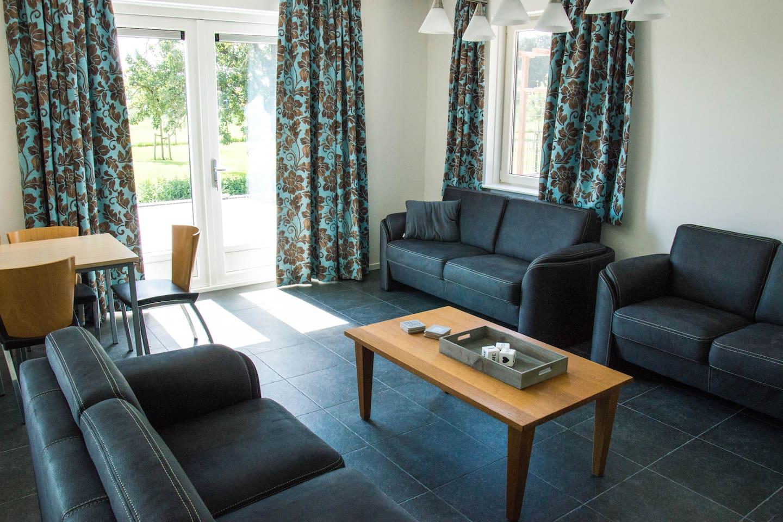Luxe groepswoning met 5 slaapkamers - Villas for Rent in Amstelveen ...