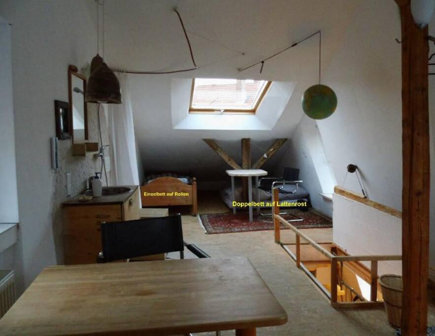 Für die Familie mit Kindern oder Sportfreunde drei weitere Schlafplätze unter der nördlichen Dachshräge