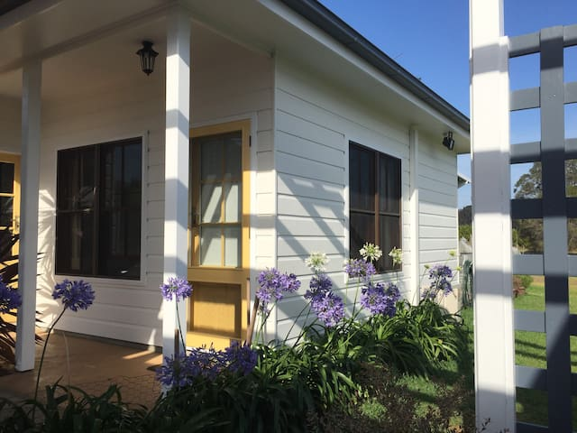Lovedale Hideout Hunter Valley - Rothbury - Bed & Breakfast