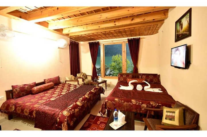 Wooden luxury family suite for 4 adults