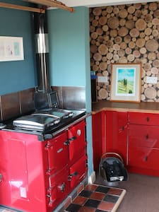 Cosy cottage, charming village location - Little Weighton - House