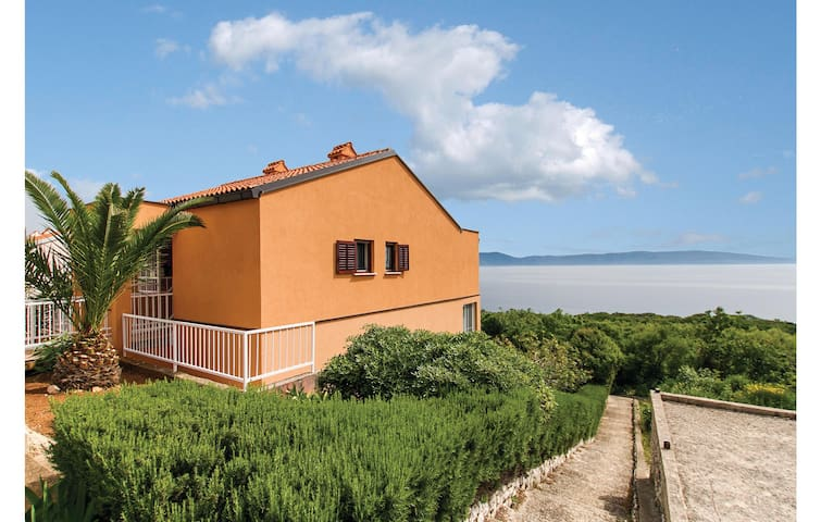 Holiday apartment with 1 bedroom on 47m² in Ravni
