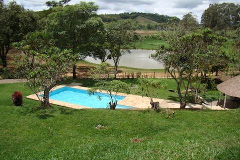 Pousada em Rio Novo 4 quartos