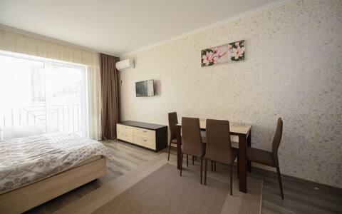 (B)Très bel appartement studio au 2  étage.