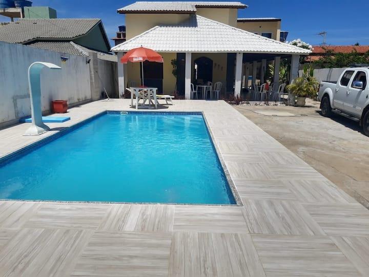 casa  com  piscina e  muito  espaço