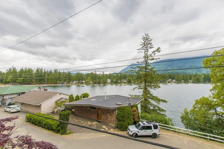 The Lakeshore Lake House