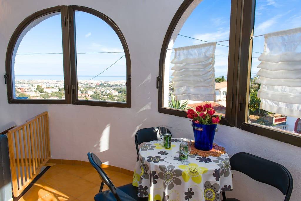 Kitchen area with a beautiful view on the Sea and Denia