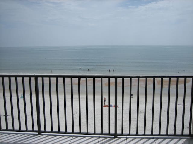Direct Ocean Front On The No Drive Beach - Daytona Beach - Apartment