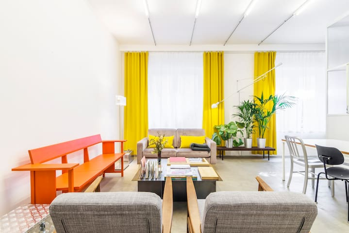 Modern Studio Apartment in Milan Historical Centre