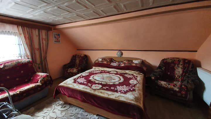 Private bedroom in Campulung Moldovenesc