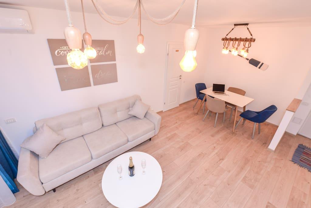 Marina Apartment - Cismigiu Gardens - Living room