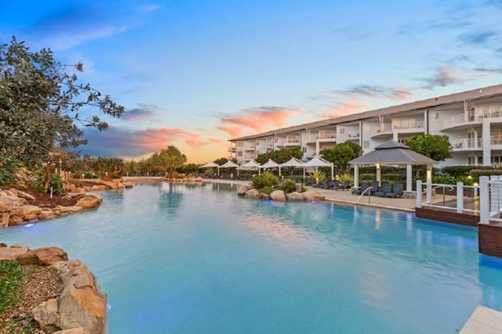 Beachfront Resort at Salt 30 mins Nth of ByronBay - Kingscliff - Appartement