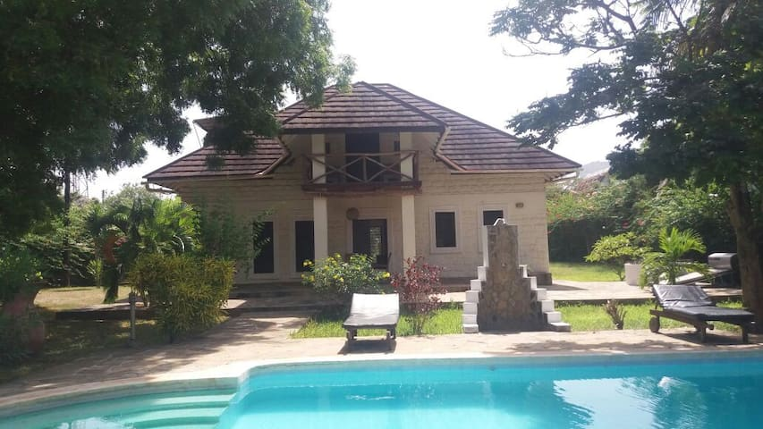 Nobel House , Diani Beach guesthouse for 6 People