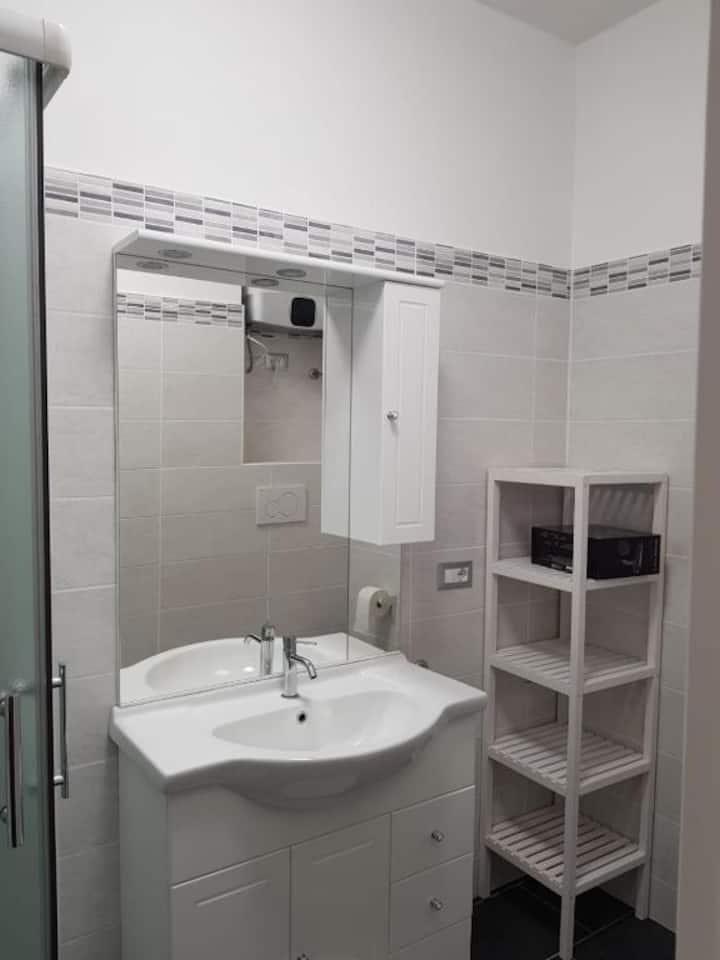 Nomentana White Apartment