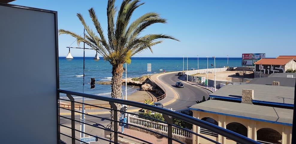 logement en front de mer avec plage à 50m