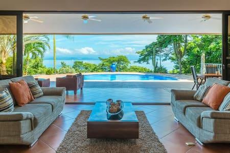 Villa Paraiso (Beautiful Ocean View) Costa Rica