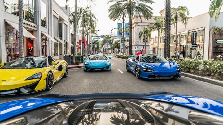 RODEO DRIVE & SHOPPING JUST OUTSIDE YOUR DOOR