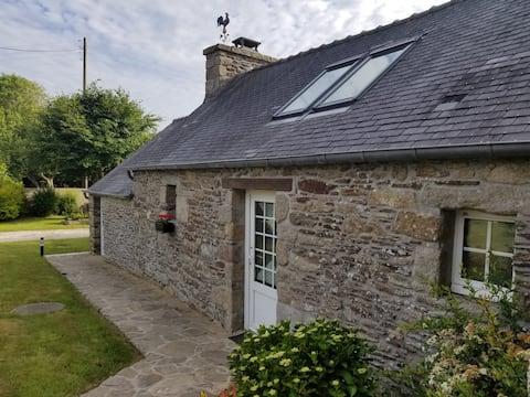Petite maison en pierre 2-3 pers.