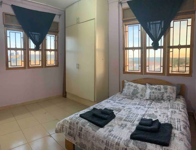 Jade Apartment - Cozy & Clean in Jinja Town
