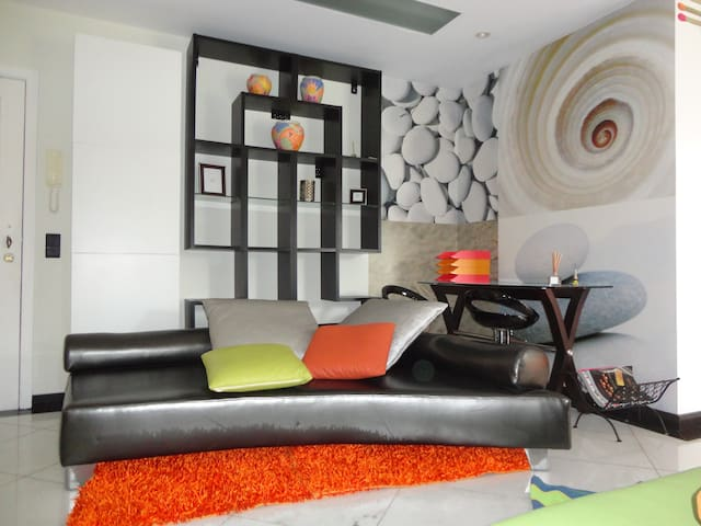 Excelente apartamento T1 open space - Caniço - 아파트
