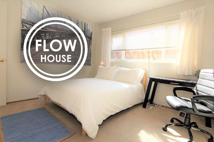 FLOW HOUSE | Developer's Hideout