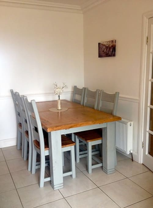 New dining table extends to seat 8 comfortably