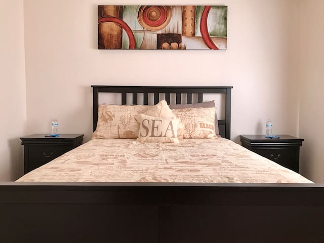 Private Cozy Room with Comfortable Queen Size bed - Santa Barbara - Dom