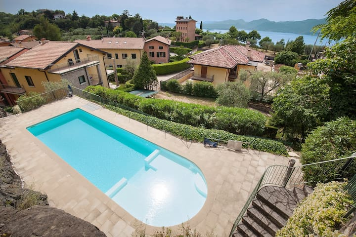 CASA MINERVA - quiete and family friendly apartment with 2 pools and 1 whirlpool