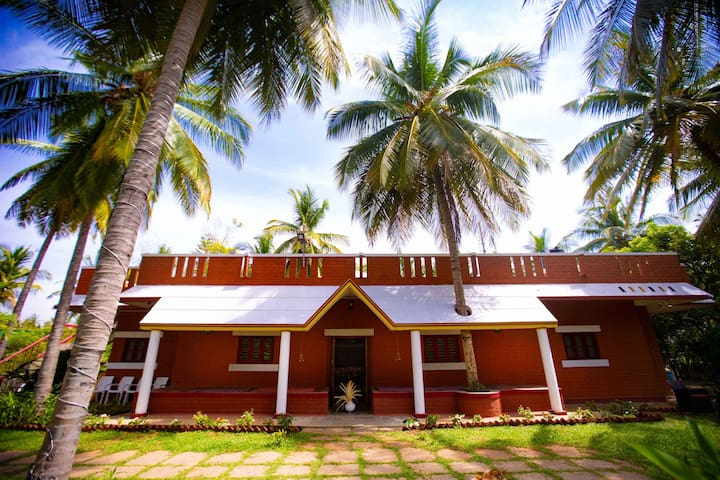Pet friendly Villa in Karnataka Coconut Grove (QR)
