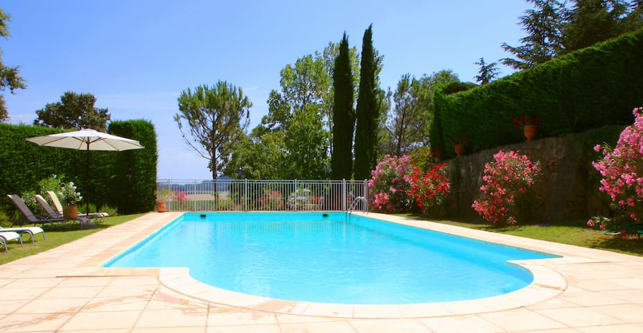 Charming french bastide with pool