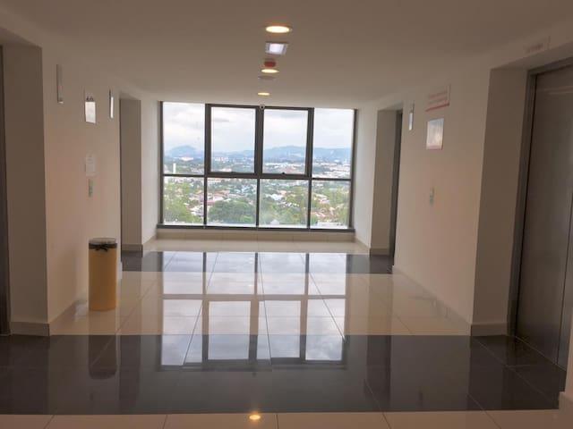 Evo Bangi Suites *Brand New Homestay*FREE WIFI*