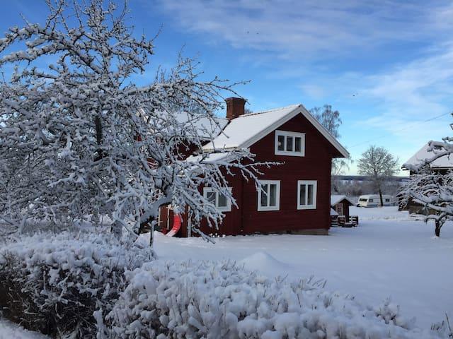 Own house in the heart of Tällberg - Tällberg - Talo