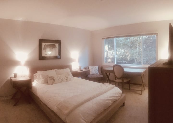 Larkspur Retreat near Ferry, Shops & Bike Trails