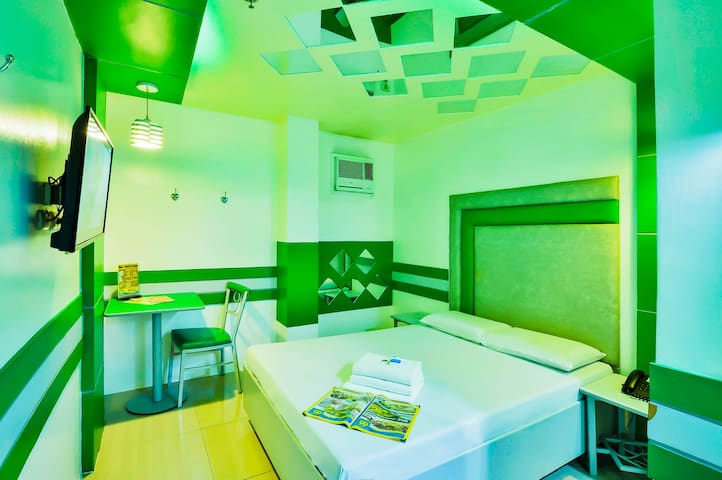 Comfortable Deluxe room at Caloocan City