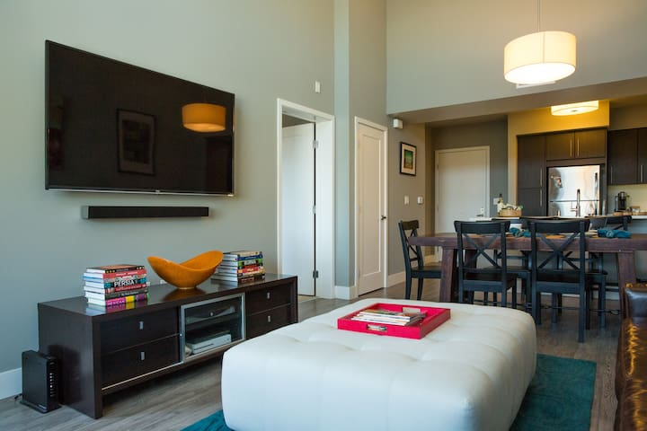 Luxury Hotel-Alternative in Downtown Redwood City