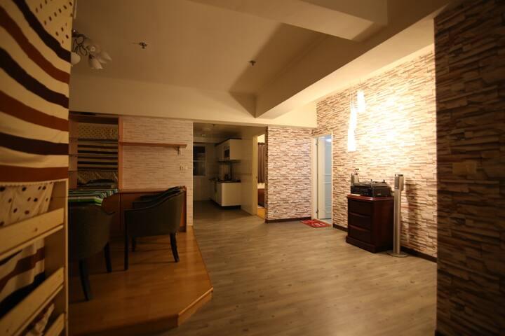 逢甲夜市 背包床位 (下3) 乾淨安全絕佳地點 Night Market location 哈哈小窩 - Xitun District - Condominium