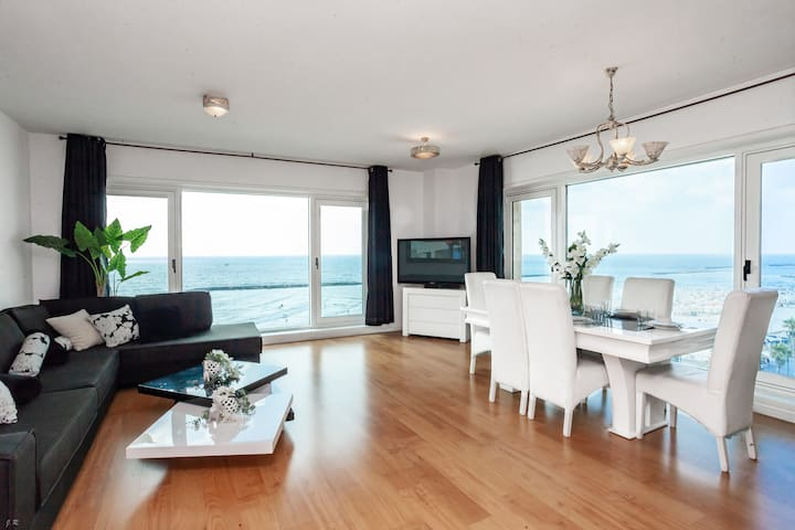 ☀️Gorgeous Panoramic Sea View Apartment + POOL!🏖️