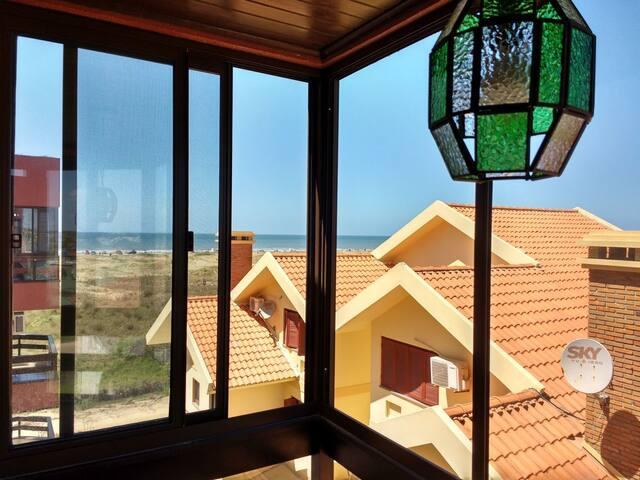 Apartamento com vista para o mar no Cassino.