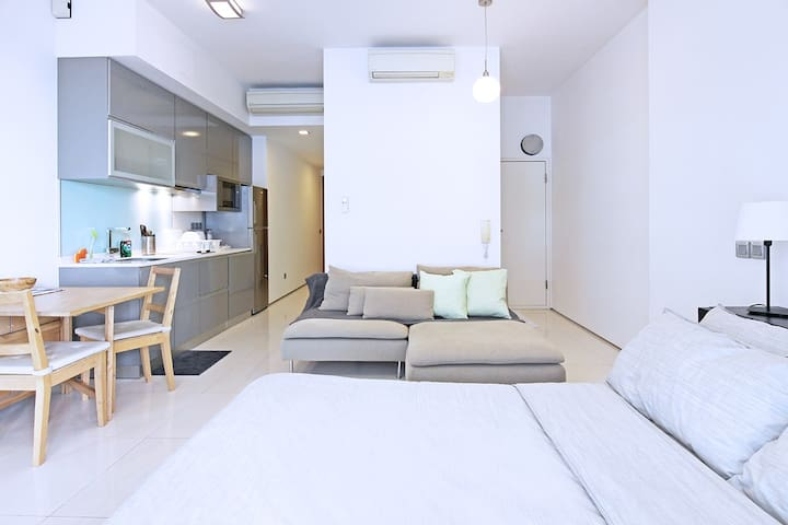 CBD studio apartment mins away to MRT
