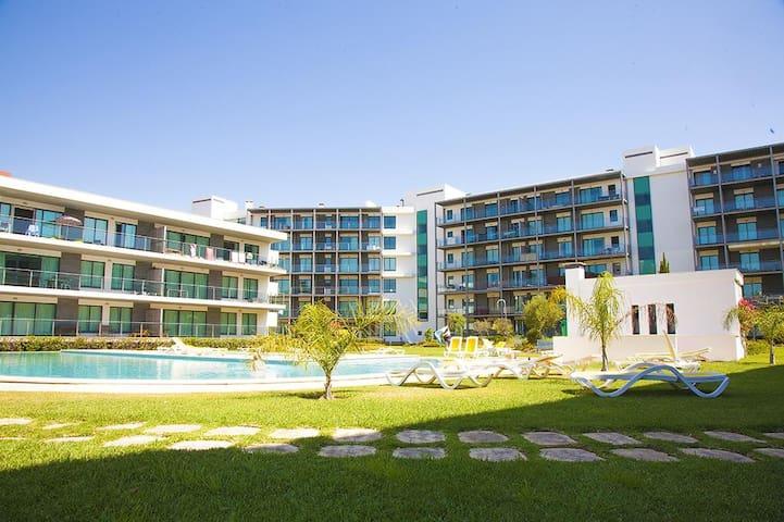 Residence <Golf Club> Modern and Spacious