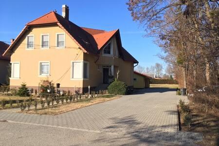 Dunakilitin kedves szoba várja vendégeit - Dunakiliti