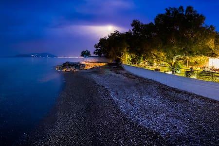 Private beach, Family Paradise - Kato Diminio - Huvila
