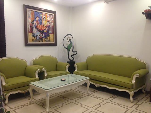 Awa Hostel - Central location with great price