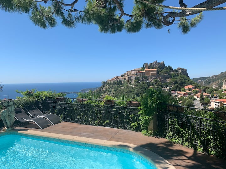Villa in Èze with view,heated pool,spa & steamroom
