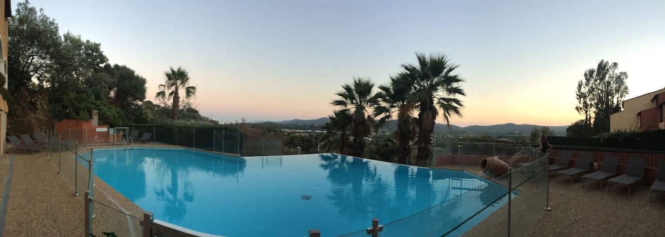 2 pièces 35m2 BORMES LES MIMOSAS piscine, tennis - Bormes-les-Mimosas - Apartament